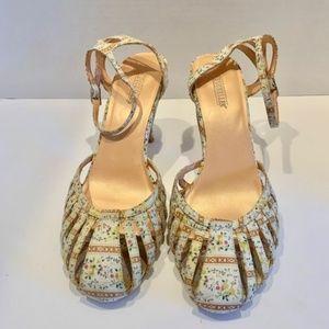 Seychelles Vintage-Style Fabric Closed Toe Heels 8